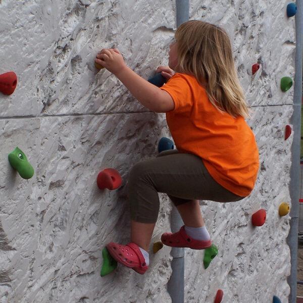 Freistehende Boulderwand Felsstruktur Länge 310 cm