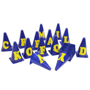 Markierungskegel mit Buchstaben
