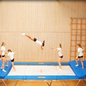 Trampolin Grand Master School